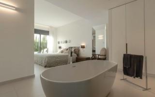Как выбрать стильную и прочную отдельно стоящую ванну?